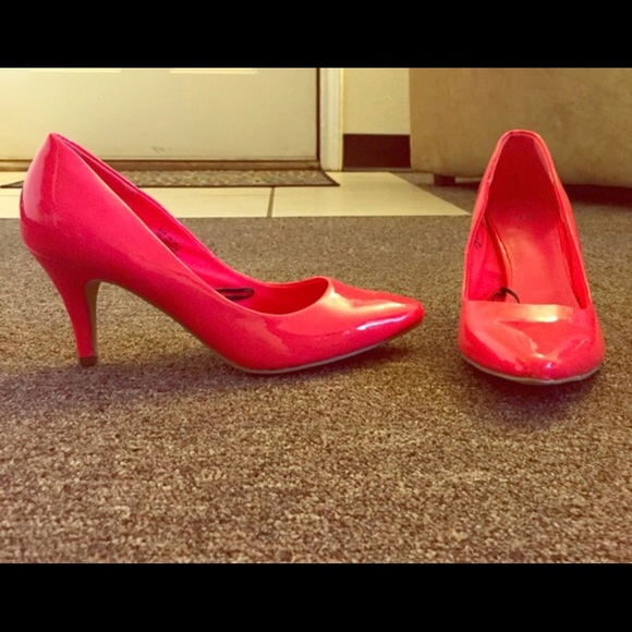 "H&M Shoes - *OFFER?* New Adorable Neon Pink ""H&M"" Heels😍"
